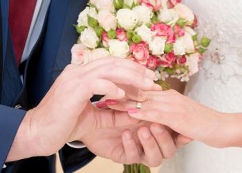 2 вещи, которые не стоит делать мужчинам на свадьбе